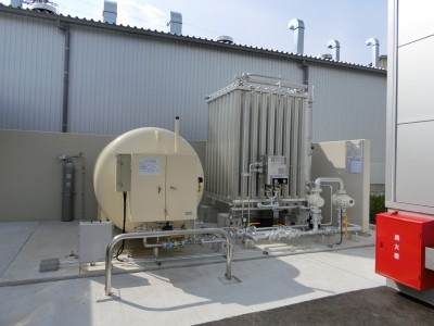 摩擦熱と大気熱を利用した乾燥設備の写真